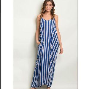 Dresses & Skirts - 🎉Striped Maxi Dress🎉